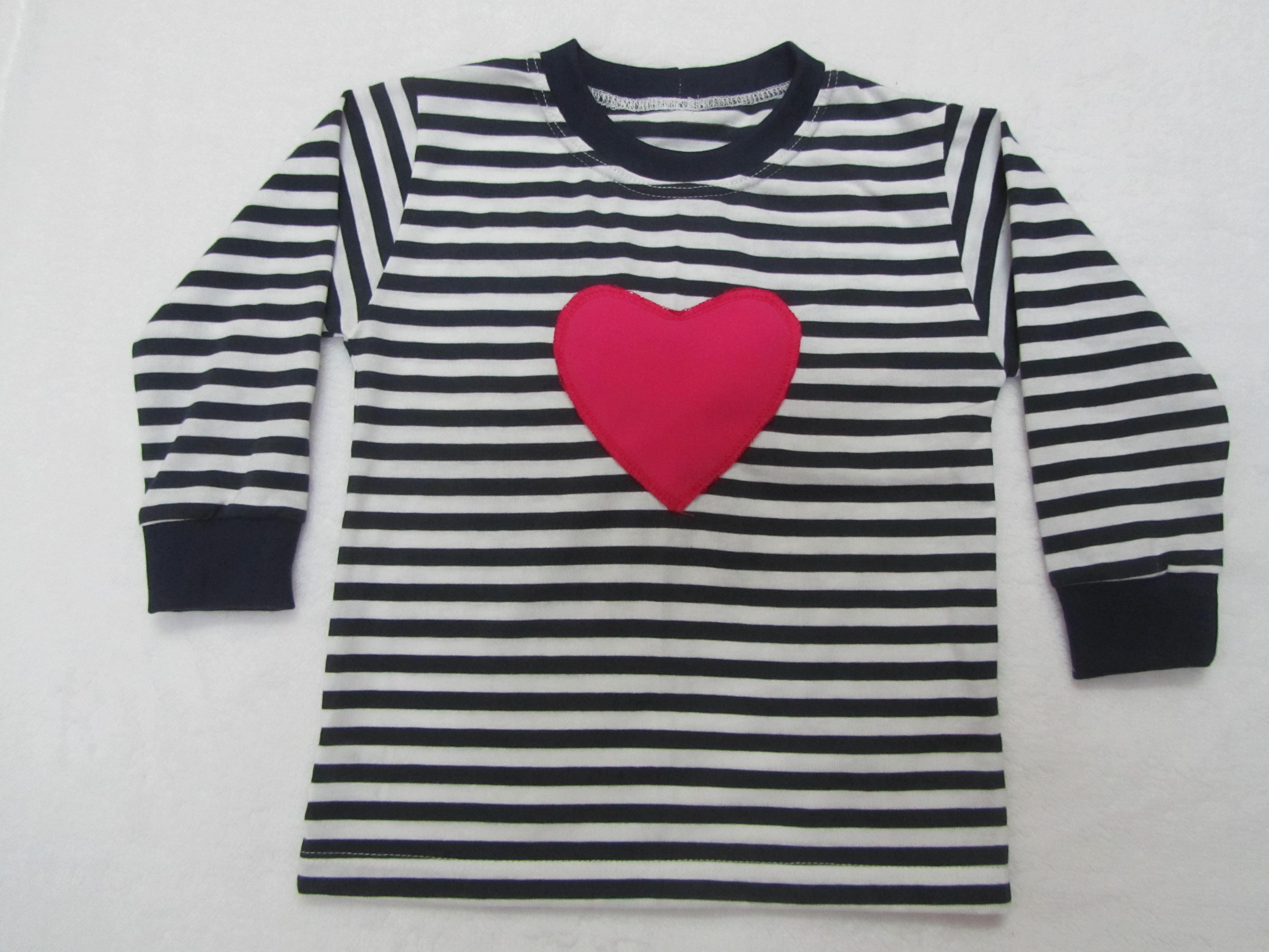 f51b26fda Námornícke tričko s pískacím vzorom dlhý rukáv srdiečko